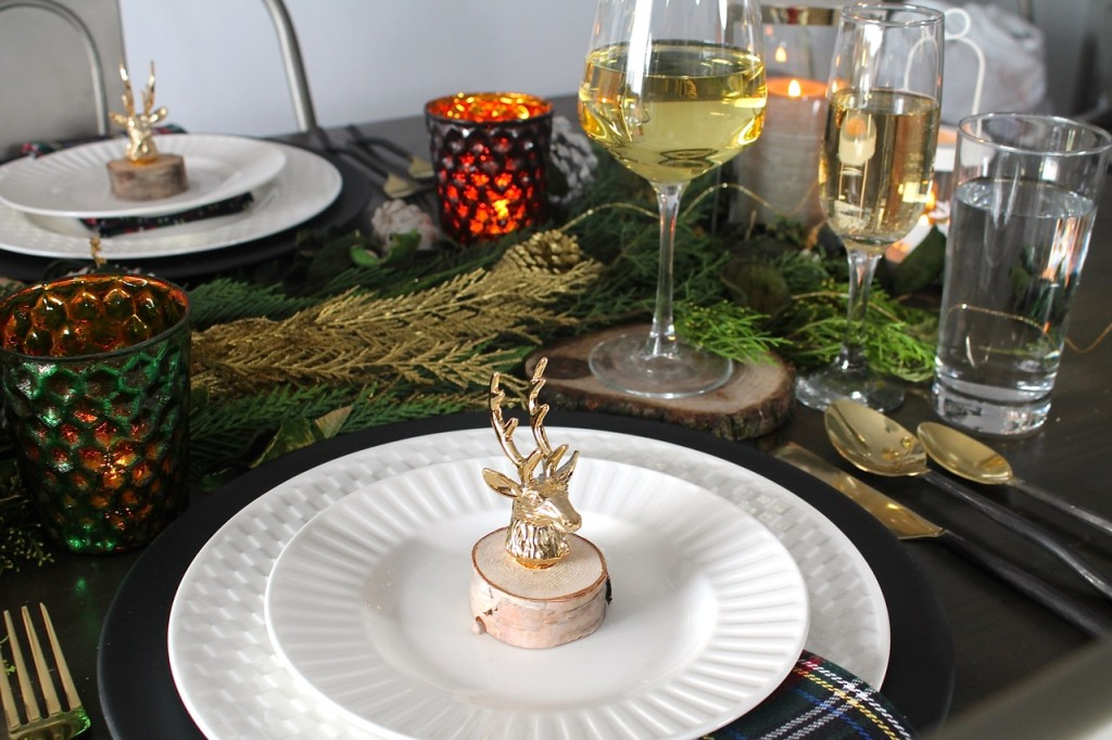 Rustic Glam Christmas Tablescape