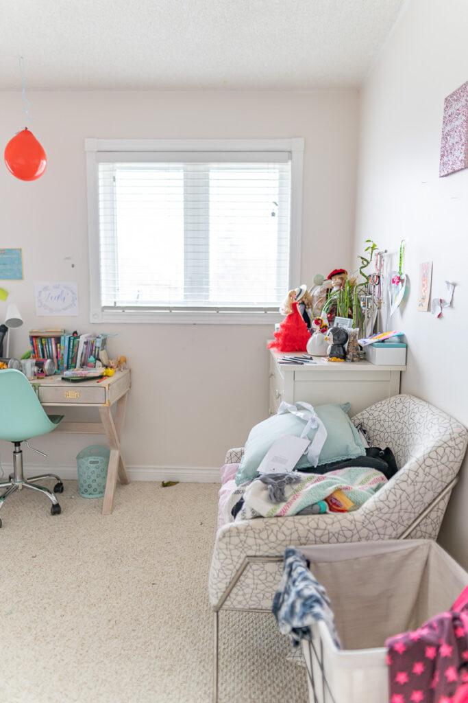 girls-bedroom-before-one-room-challenge