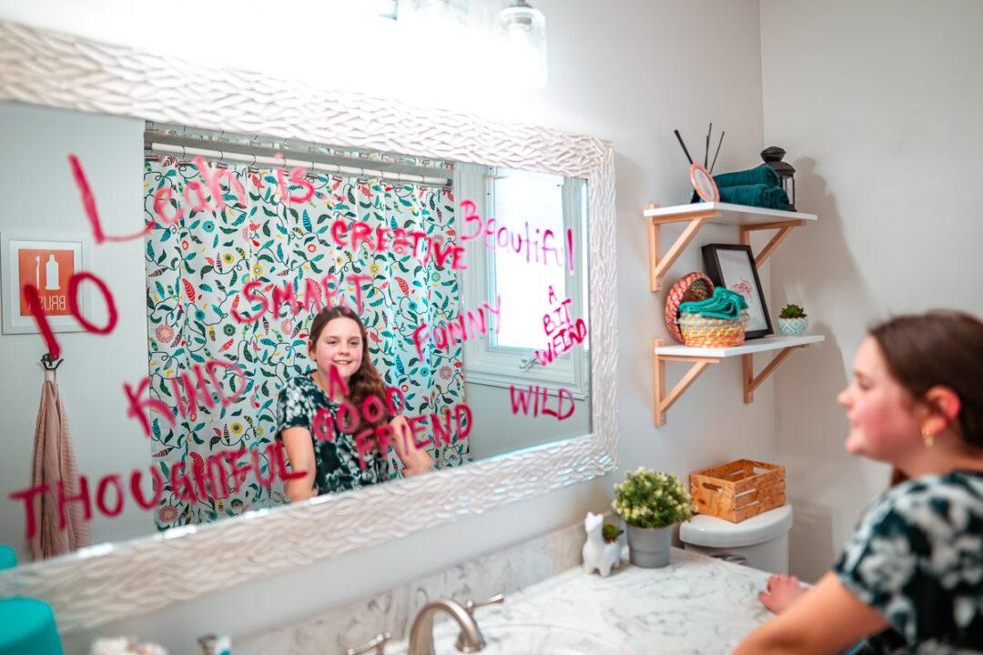 lipstick-notes-on-mirror