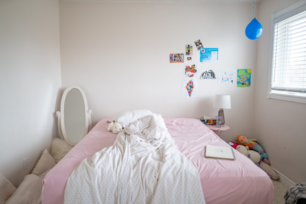 girls-bedroom-before-one-room-challenge