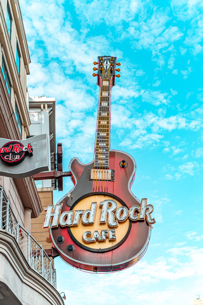 hard-rock-cafe-clifton-hill