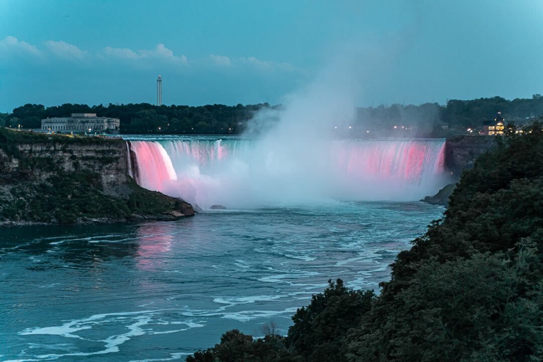 niagara-falls-night-illumination